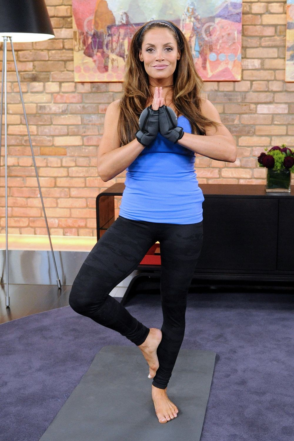 Trish-Stratus-Yoga-photos